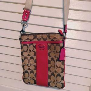 Coach crossbody strap purse